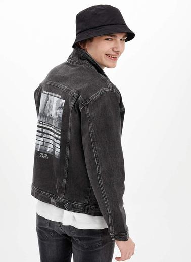 DeFacto Sırtı Baskılı Jean Ceket Siyah